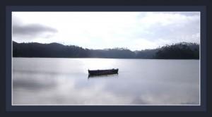 Barque sur un lac