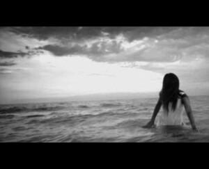177 - Elle se donne à la mer
